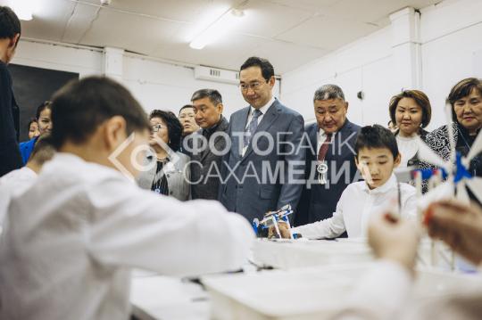 Глава осмотрел школу в Эвено- Батынтайском районе